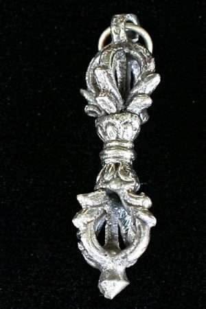 Small vajra pendant PVS1