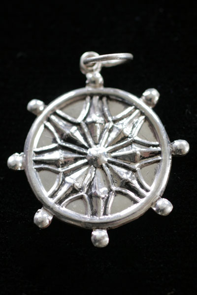 dharmachakra pendant silver 2cm buddhist images